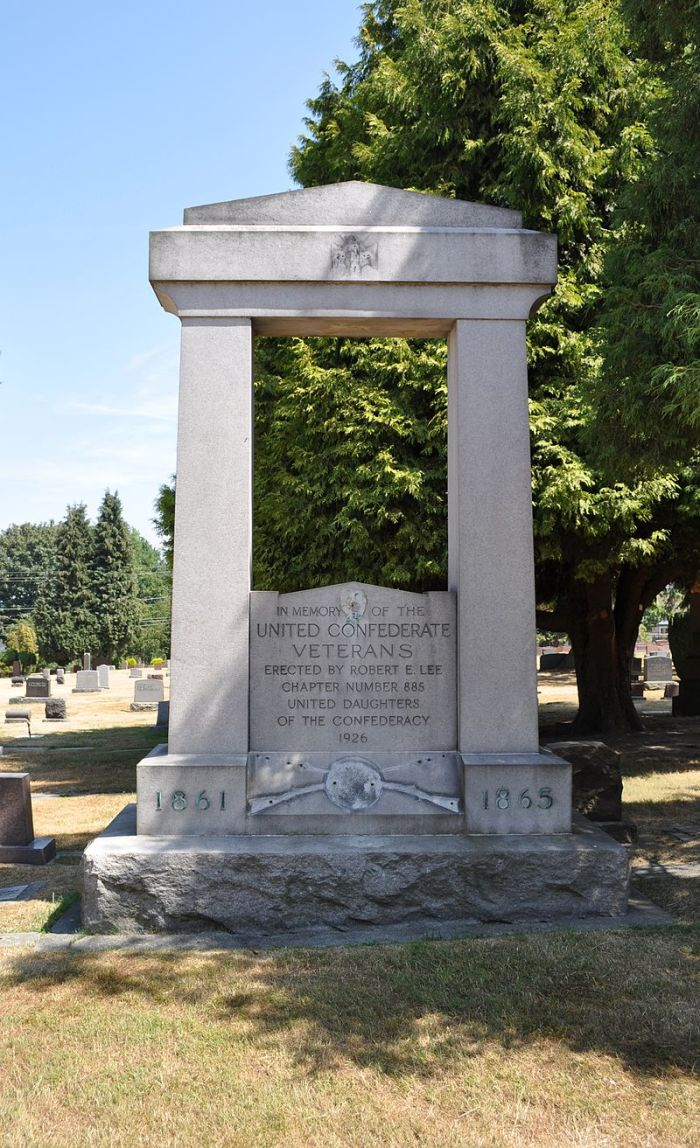 800px-Seattle_-_Lake_View_Cemetery_-_Confederate_Veterans_memorial